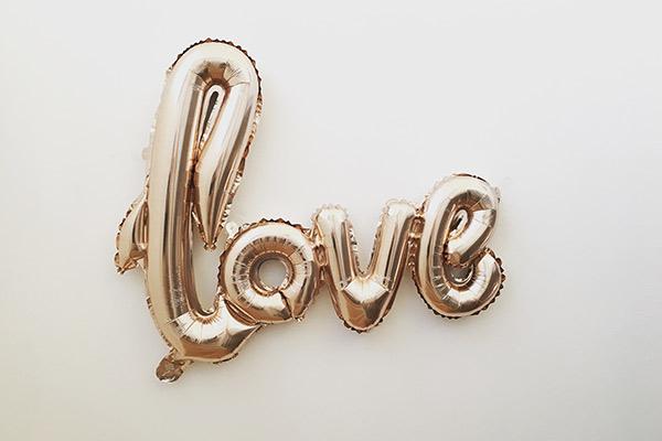 Love balloon image